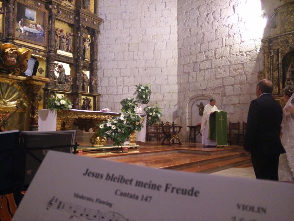 Flores en la Iglesia de San Lázaro Palencia